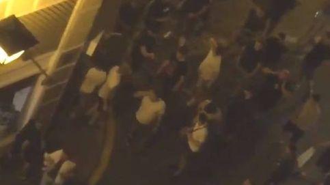 Un grupo de 'hooligans' ingleses provoca disturbios y daños en el centro de Sevilla