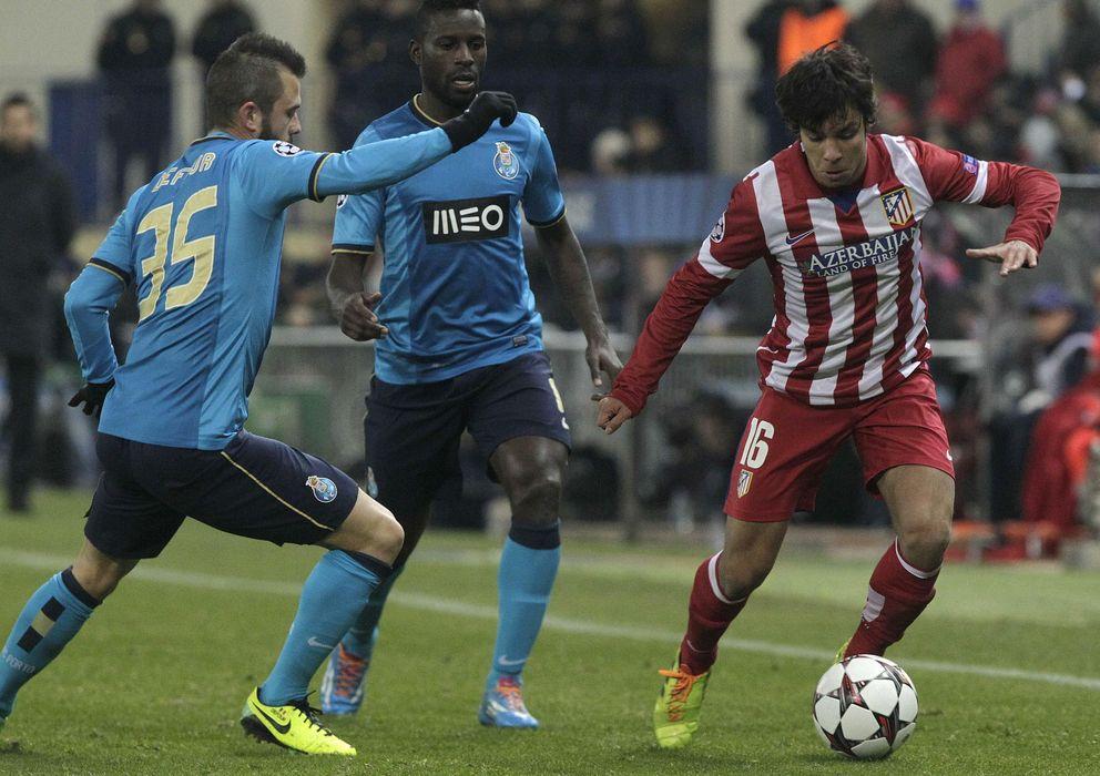 Foto: Óliver Torres, en un partido contra el Oporto en la pasada Liga de Campeones.