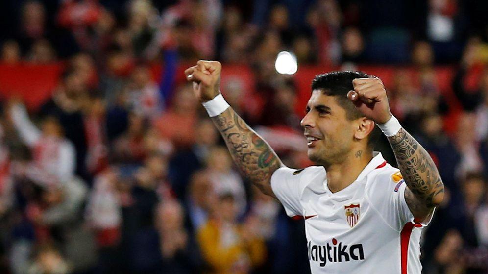 Foto: Éver Banega es uno de los capitanes del Sevilla. (Reuters)