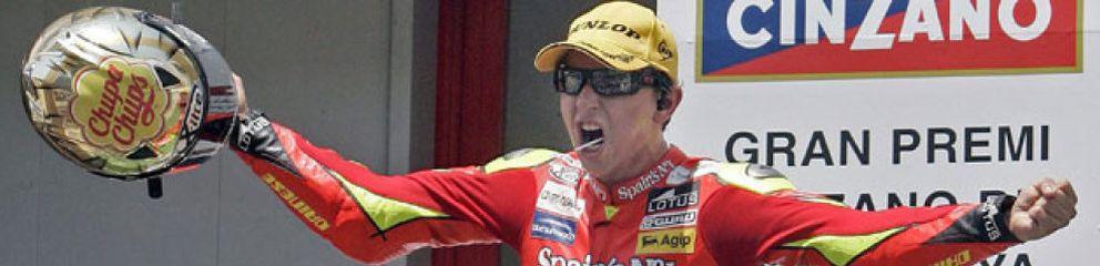 Lorenzo regresa a lo campeón y Stoner domina a Rossi