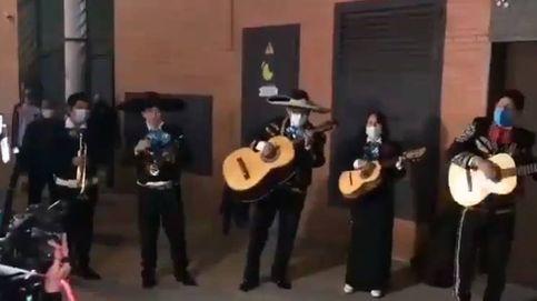 Forocoches envía un grupo de mariachis a las sedes de Podemos y Ciudadanos