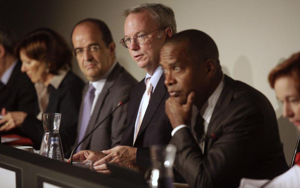 Foto: Ejecutivos de Google con Eric Schmidt a la cabeza, en el encuentro celebrado en Madrid