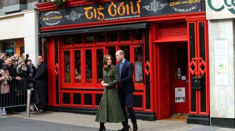 Kate Middleton dice adiós a Irlanda de verde y con este vestido de lunares tan chic