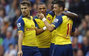 El Arsenal gana por la vía rápida al Aston Villa al ritmo de Mesut Özil