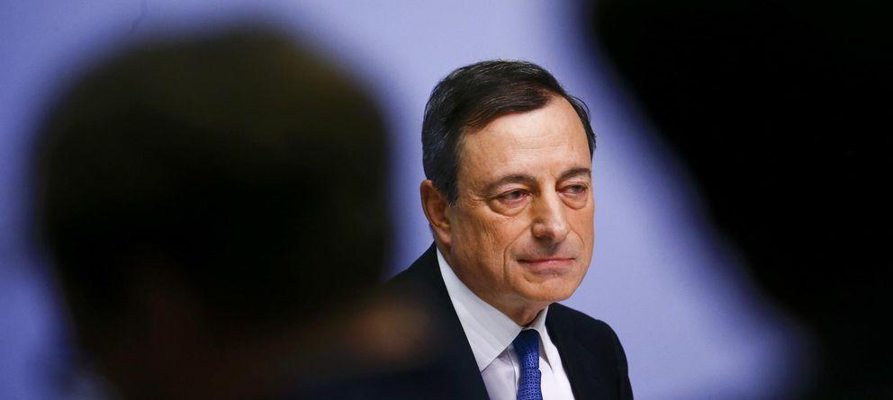 El BCE garantiza 19 meses con tipos de interés cero y empuja un desplome del euro