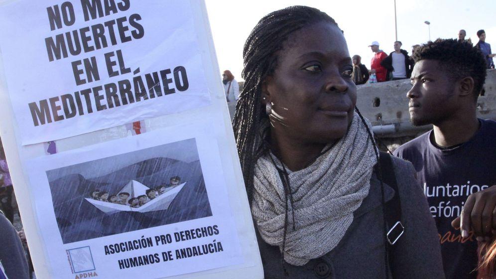 Foto: Una marcha reclama derechos humanos para los inmigrantes en las fronteras. (EFE)
