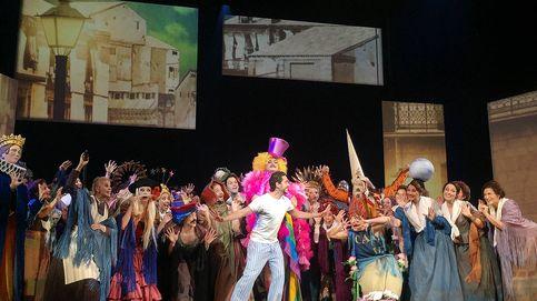 El Teatro de la Zarzuela declara la guerra a las polillas y a la naftalina