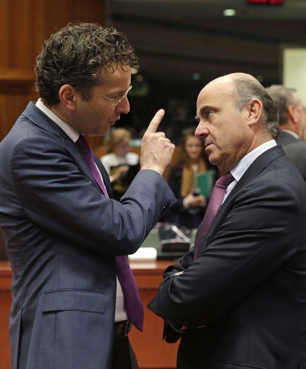 Foto: Jeroen Dijsselbloem y Luis de Guindos en una imagen de archivo. (AP)