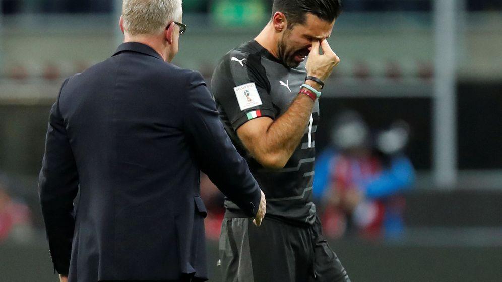 Foto: Buffon llora tras la eliminación. (Reuters)