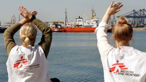La llegada del Aquarius, en directo | El tercer y último barco de la flotilla llega al puerto