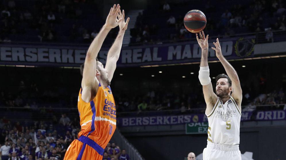 Foto: Rudy Fernández metió siete triples en la victoria del Real Madrid ante el Valencia Basket. (acb Photo/P. Castillo)