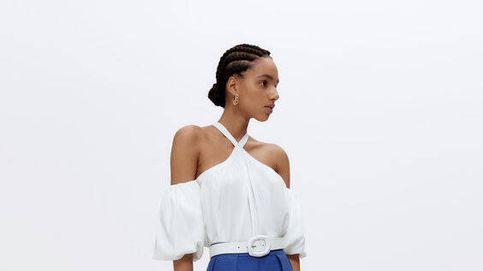 Uterqüe acierta con un look de bermuda y blusa que sienta de lujo
