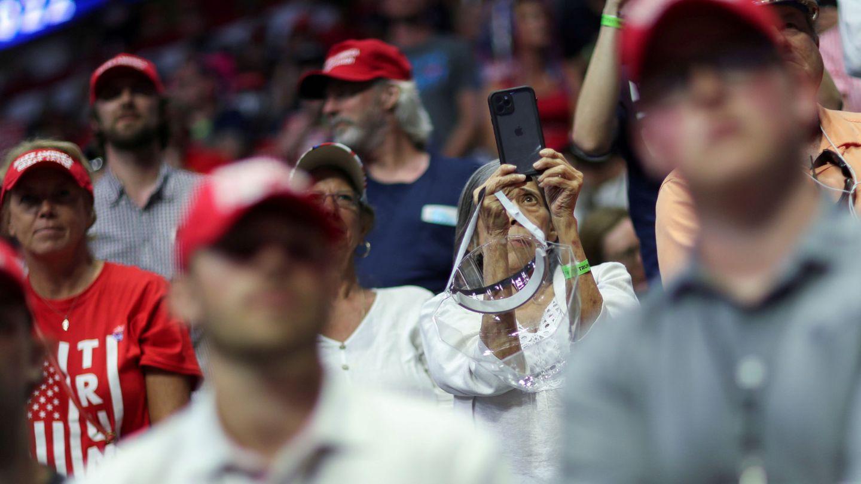 Seguidores de Trump en el mitin de Tulsa. (Reuters)