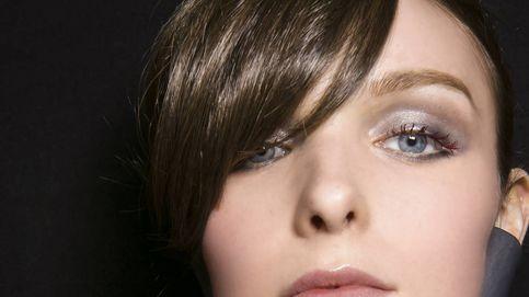 Máscara de pestañas burdeos: truco trendy para potenciar los ojos verdes