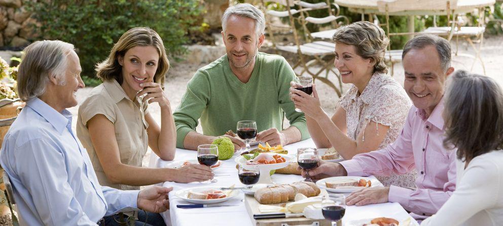 Foto: Antes de seguir una dieta, privándonos de alimentos que convertirán este placentero hábito en todo un sufrimiento, es recomendable tratar de reducir la cantidad
