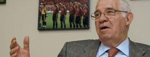 "Luis Aragonés asegura que va a ser ""especial"" volver a estar junto a la selección"