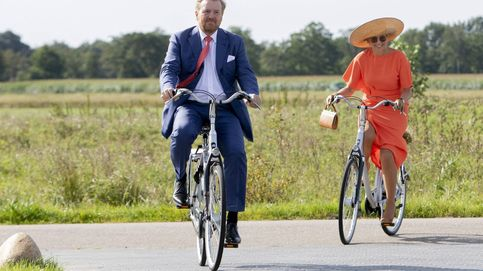 Máxima tira de esencia para su última cita: en bici, de Natan y con su sombrero favorito