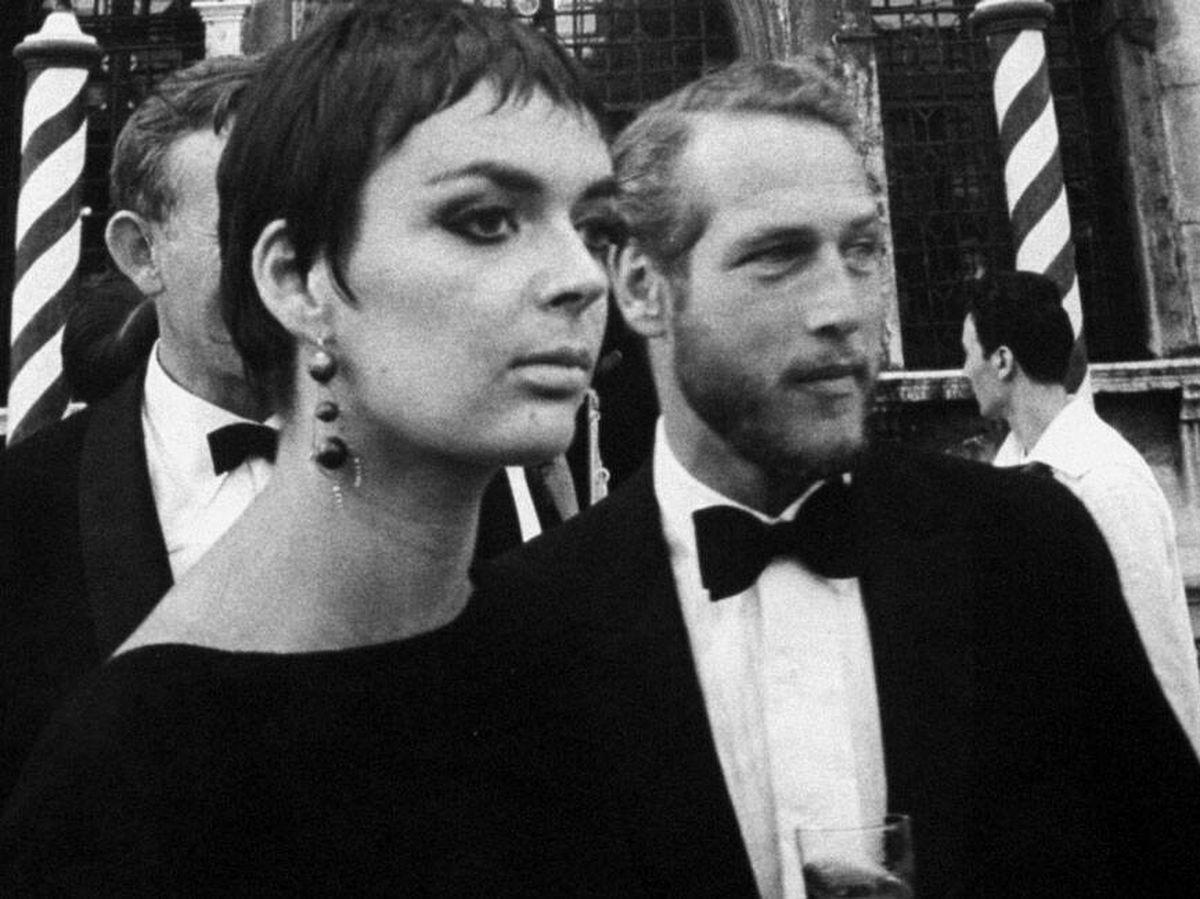 Foto: Paul Newman y Barbara Steele en Venecia, llegando a una de las glamurosas fiestas de Volpi. (Getty)