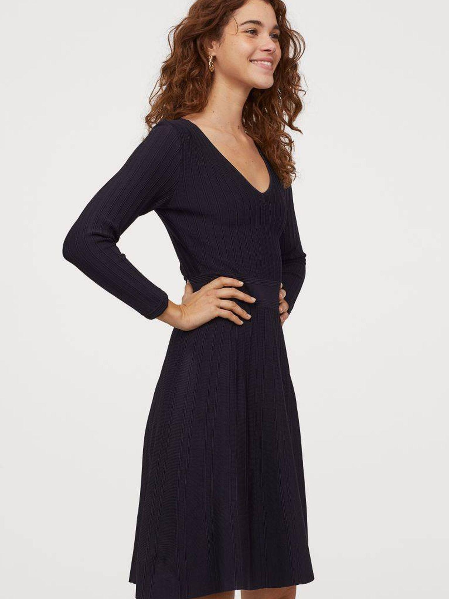 Descubre cómo es este vestido todopoderoso de HyM. (Cortesía)