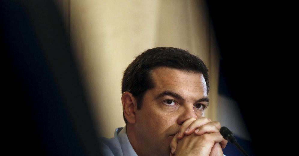 Foto: El primer ministro griego durante una reunión en el Ministerio de Industria, en Atenas, el 21 de agosto de 2015 (Reuters).