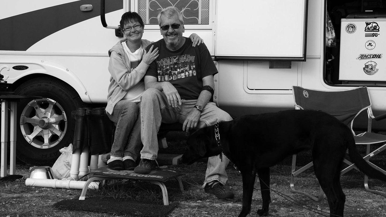 Otra foto de algunos de los nómadas que encontró Bruder en su viaje. (Capitán Swing)