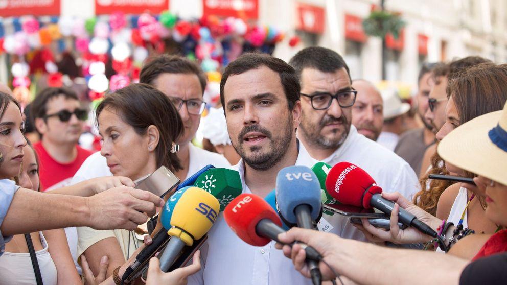 Garzón (IU) acusa al PSOE de buscar apoyos mediante chantaje