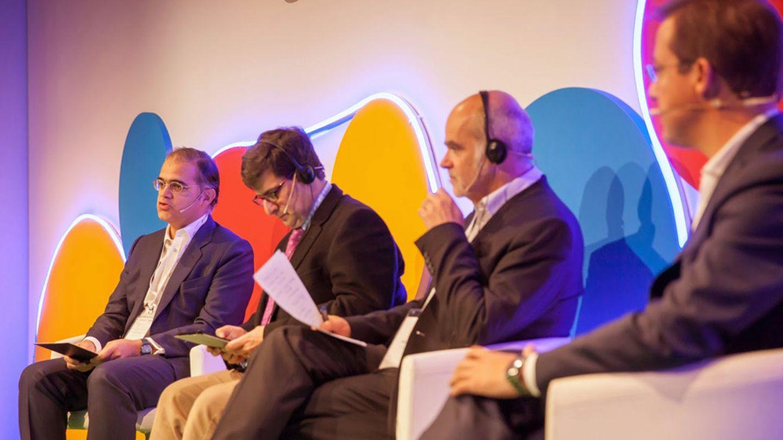 Julián Villanueva (moderador), Robert Shrimsley, Frédéric Filloux y Javier Cabrerizo
