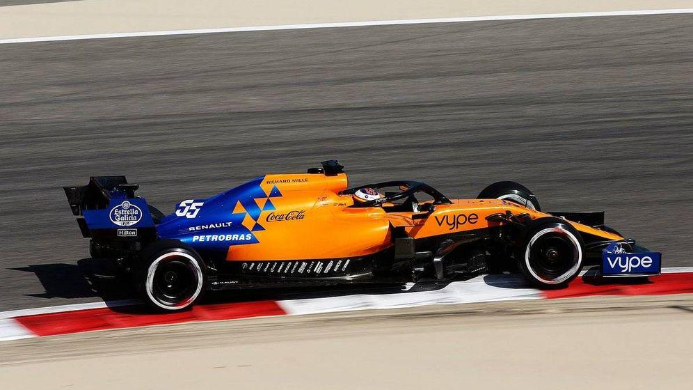 Foto: Carlos Sainz durante los entrenamientos de Bahréin. (Twitter: @McLarenF1)