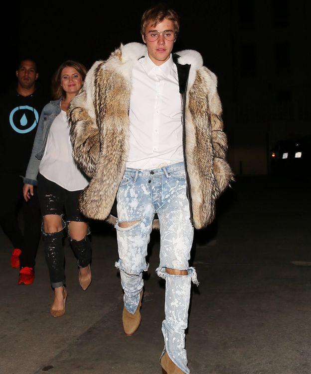 Foto: Justin Bieber con el polémico abrigo (Gtres)