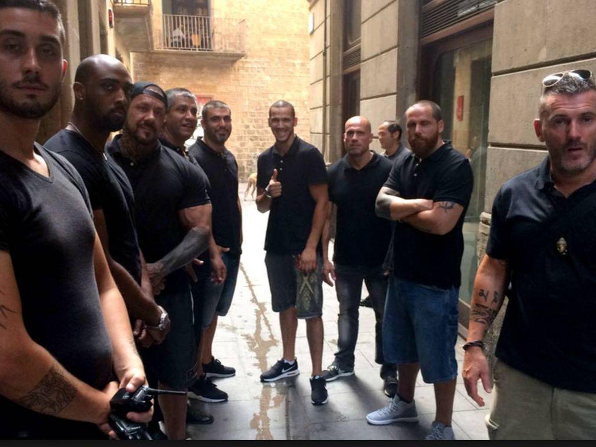 Foto: Uno de los operativos de Desokupa en Barcelona. (Desokupa)
