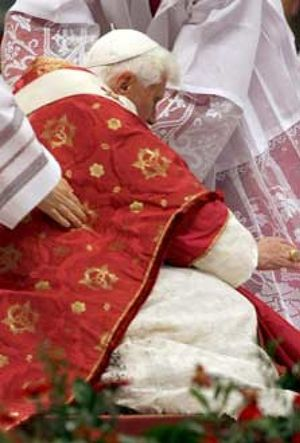 El tropiezo del Papa