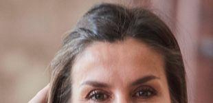 Post de La reina Letizia recupera uno de nuestros looks favoritos del año pasado