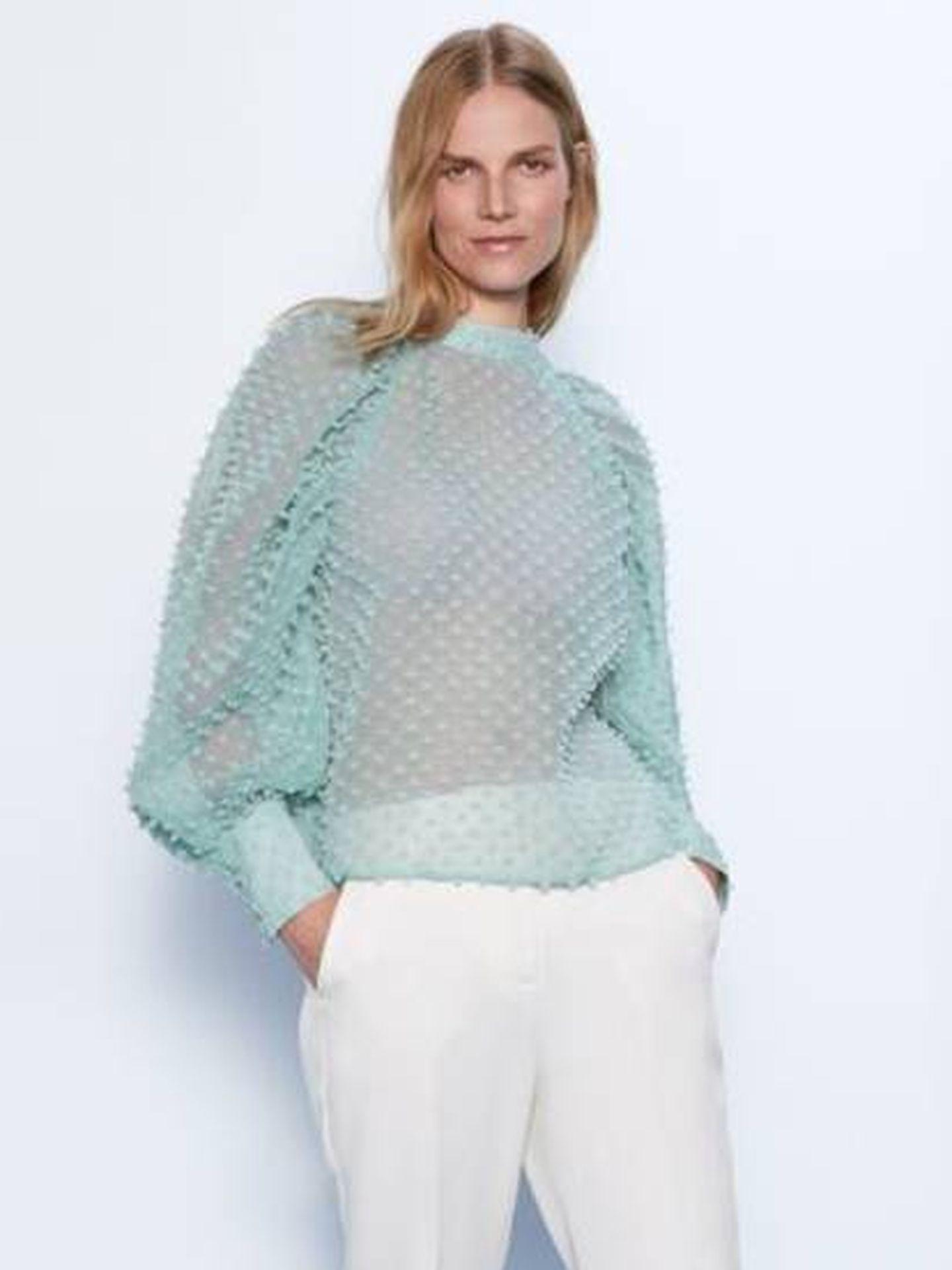 La blusa de Zara.