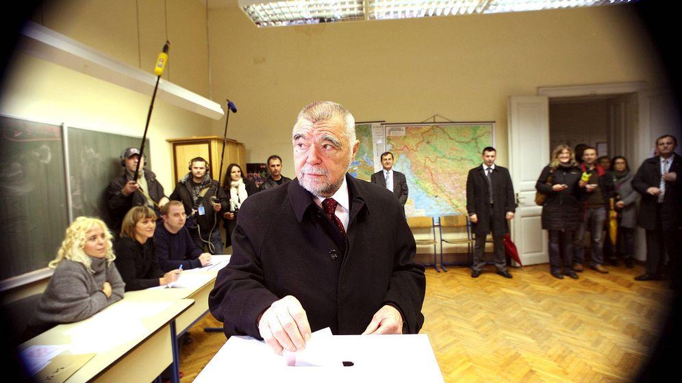 Foto: Foto de archivo del expresidente croata, Stjepan Mesic. (EFE)