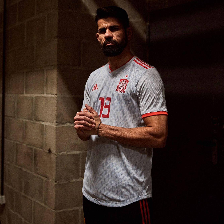 Selección Española de Fútbol  Así es la nueva segunda equipación de ... c2bbc6fd796