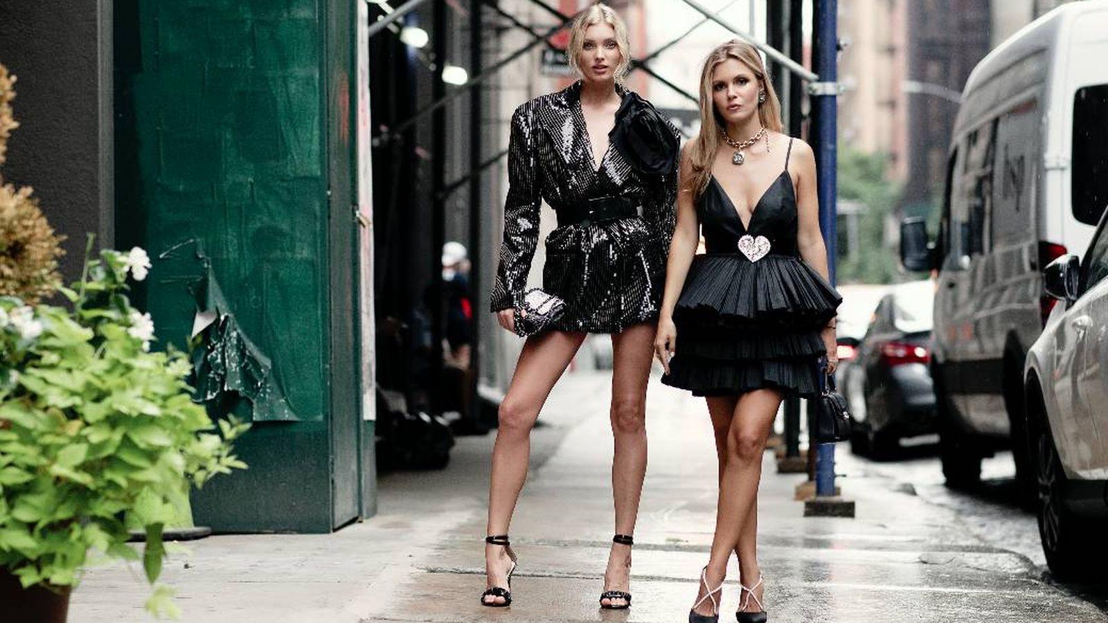 Foto: Aprende cómo llevar un vestido negro este verano. (Imaxtree)
