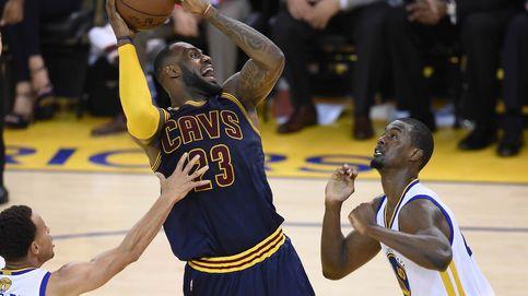 Un monumental LeBron James iguala las Finales el día que Curry se hizo humano