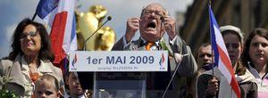 La Eurocámara priva a Le Pen de sus honores de futuro presidente