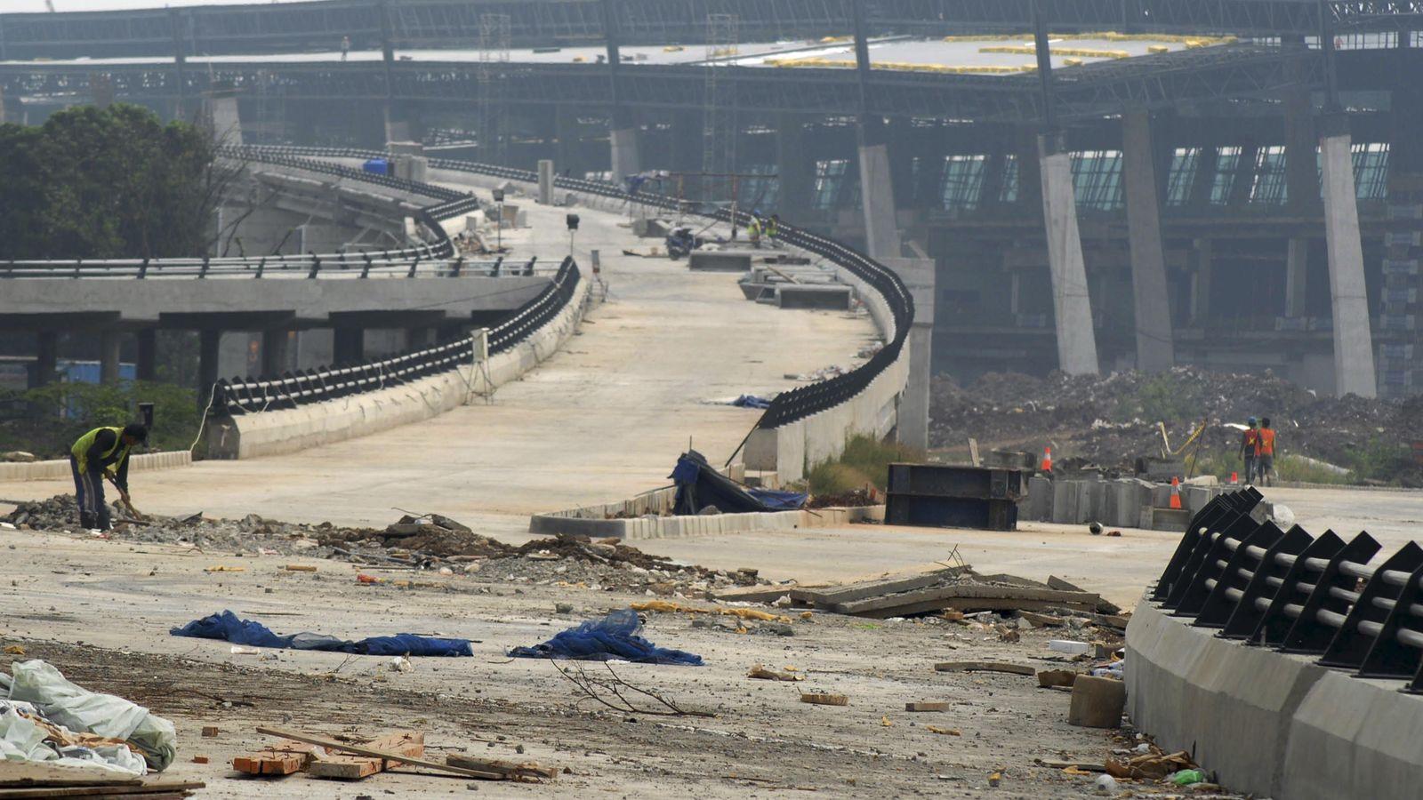 Foto: Una carretera a medio construir cerca del aeropuerto de Yakarta (Reuters)
