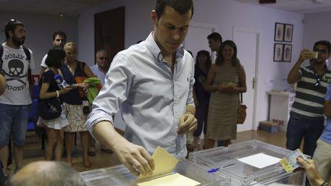 Otra marcha en el PSOE: el susanista Juan Segovia deja su acta de diputado