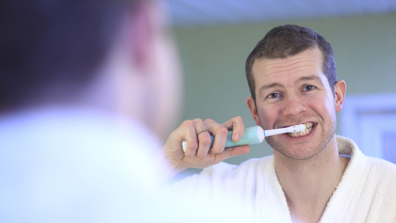 Foto: Los dos momentos del día más indicados para cepillarse los dientes son la mañana y la noche. (Corbis)
