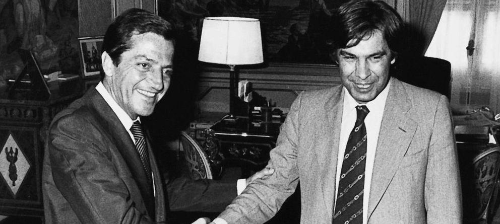 Foto: Adolfo Suárez y Felipe González en 1977 (EFE)