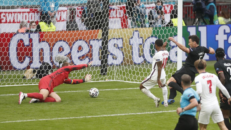 Sterling anota el 1-0. (Reuters)