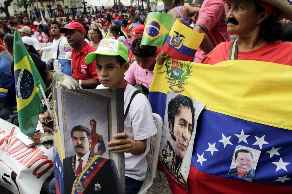 Foto: Partidarios del presidente Nicolás Maduro, durante la celebración del 206º aniversario de la Declaración de Independencia del país, el 19 de abril de 2016. (Reuters)