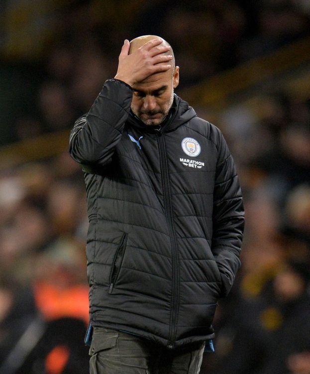 Foto: Pep Guardiola, con gestos de preocupación, en el partido contra el Wolverhampton. (Efe)