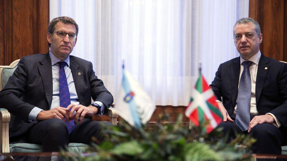 Foto: El lehendakari, Iñigo Urkullu (d), ha recibido hoy al presidente de la Xunta de Galicia, Alberto Núñez Feijóo. (EFE)