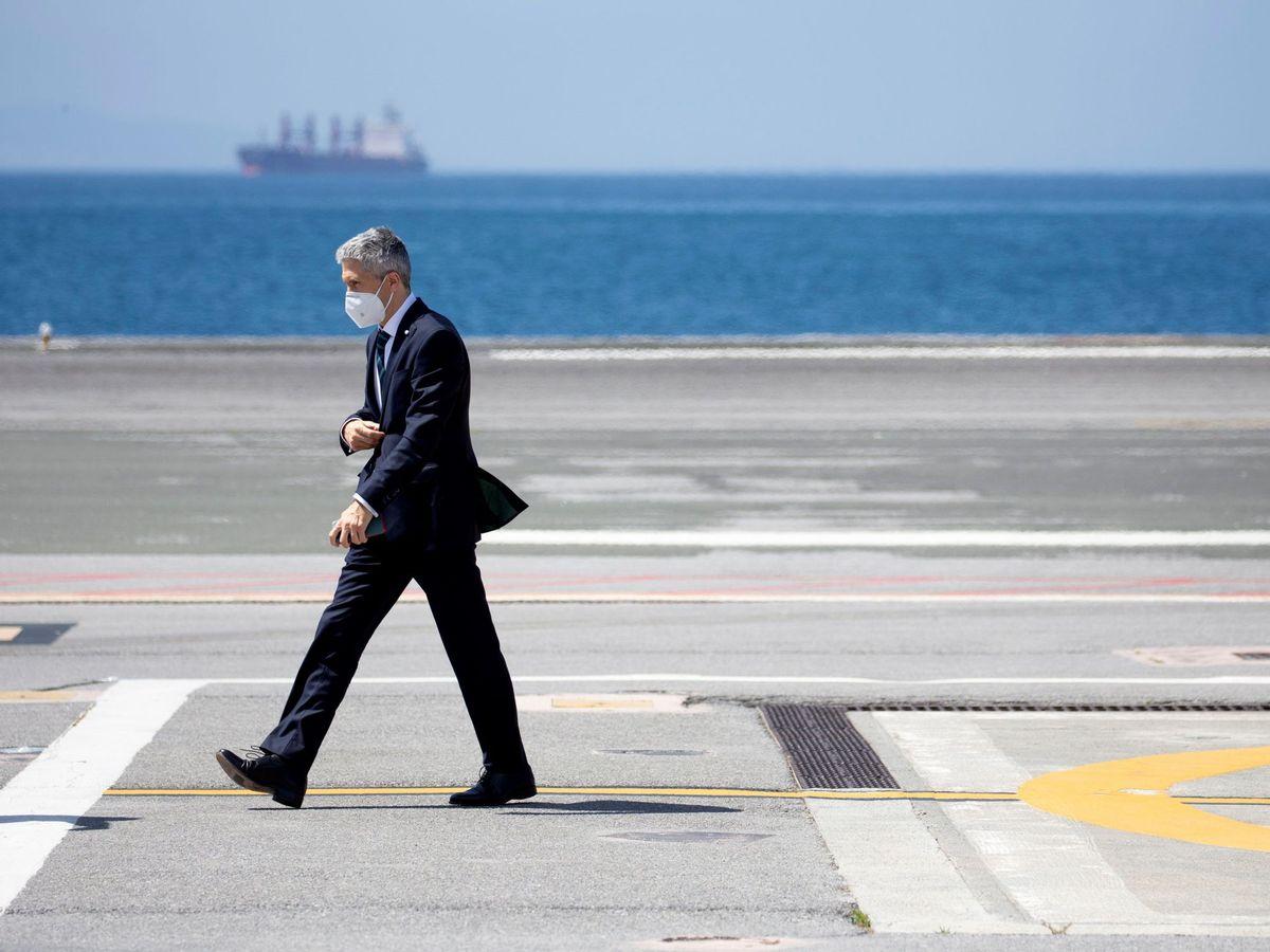 Foto: Grande-Marlaska llega a Ceuta el pasado mes de mayo. (EFE)