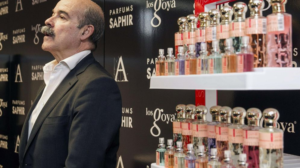 Foto: El presidente de la Academia de las Artes y Ciencias Cinematográficas de España, Antonio Resines, durante la firma de un acuerdo de renovación con la empresa Saphir. (EFE)