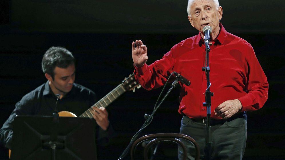 Foto: Raimon, durante su último concierto (EFE)