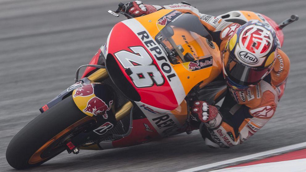 Pedrosa se cuela en la pelea entre Rossi y Lorenzo y saldrá primero en Malasia